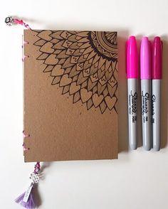 🔸Nossos cadernos feito à mão, cheio de detalhes !!