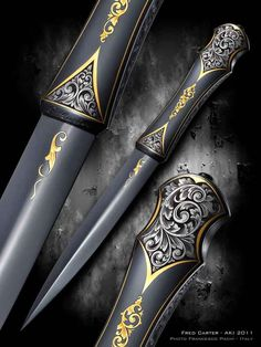 Knifemaker Fred Carter. Looks like some Assassin's Creed type blade. Love it