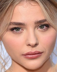 Close-up of Chloë Moretz at the 2016 premiere of 'Neighbours 2: Sorority Rising'.