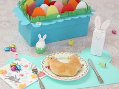 4x Paasdoos maken & meer creatieve inspiratie voor het paasontbijt op school. Lego Letters, Jesus Resurrection, Egg Hunt, Easter Bunny, Crafts For Kids, Holiday, Seeds, Kunst, Crafts For Children