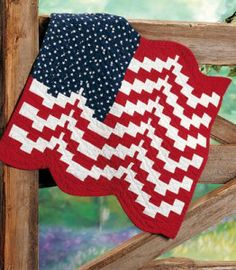 Bargello Flag Keepsake Quilt -- wouldn't this look great on your porch or balcony this 4th of July?