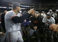 San Francisco Giants' Pence and Lincecum celebrate with teammates after defeating the Detroit Tigers in Game 4 to win the MLB World Series baseball championship in Detroit