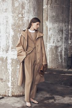 The Row Resort 2016 - Collection - Gallery - Style.com http://www.style.com/slideshows/fashion-shows/resort-2016/row/collection/6