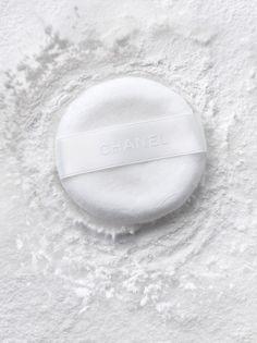 blanc   white   bianco   白   belyj   gwyn   color   texture   form    powder puff