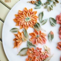 Try to paint with buttercream... Once again... Looking for inspiration !!! Practice Practice #cakeinspiration #practice #buttercreamflower #paintflowers #paintwithknife #paintingcake #cakepainting #butterblossoms