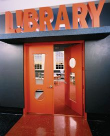 Way Beyond Fuddy-Duddy: New Libraries Bring out the Best in Students - Edutopia Add large scale letters above locker bank in the hall outside the Library School Library Design, Kids Library, Elementary Library, Library Lessons, Elementary Schools, Library Ideas, School Libraries, Library Organization, Public Libraries