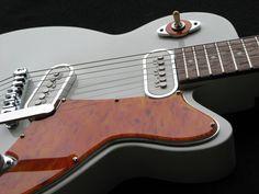 O'Workshops Guitars – The White Model