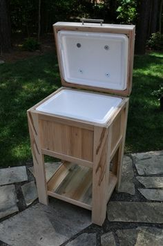 ice chest made from wood pallets