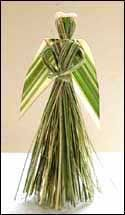 NZ flax weaving blog » Blog Archive » Making a flax angel Palm Frond Art, Palm Fronds, Christmas Floral Designs, New Zealand Flax, Corn Dolly, Flax Weaving, Flax Flowers, Coconut Leaves, International Craft