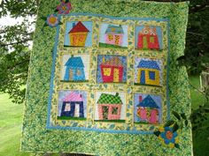 Quilting: Wonky House Quilt - tutorial that provides you with inspiration to make a similar quilt block (no pattern)