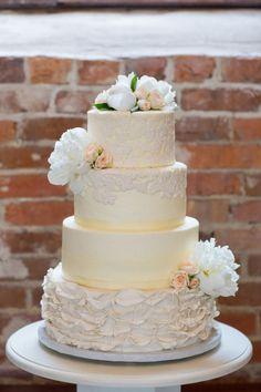 Yellow textured wedding cake: http://www.stylemepretty.com/little-black-book-blog/2015/01/23/elegant-garden-themed-wilmington-wedding/ | Photography: Theo Milo - http://theomilophotography.com/