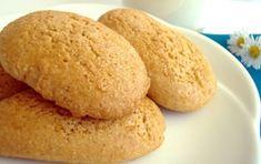 Biscotti al latte - Ecco per voi la ricetta per preparare degli ottimi Biscotti al latte, dolcetti morbidi, genuini e friabili, perfetti da inzuppare nel latte e quindi per la colazione di tutta la famiglia.
