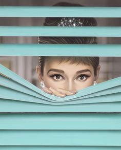 Audrey Hepburn was the inspiration for Michael Moebius' work which he called Tiffany Blue . Audrey Hepburn Wallpaper, Arte Audrey Hepburn, Katharine Hepburn, Audrey Hepburn Illustration, Audrey Hepburn Painting, Audrey Hepburn Breakfast At Tiffanys, Azul Tiffany, Tiffany And Co, Tiffany Blue Rooms