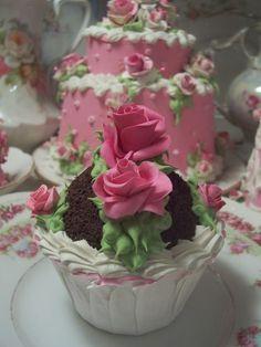 (Rasp.rosqcc) Life Size  Cupcake Fake Food Cottage Decor