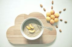 raw porridge with apricot, orange, ginger, banana, almonds and chia-seeds. Nice Cream, What You Eat, Best Breakfast, Chia Seeds, Smoothies, Vegan Recipes, Goodies, Banana, Healthy
