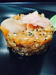 Tartare de saumon sésame gingembre Sesame, Fish, Meat, Ethnic Recipes, Salmon Tartare, Beef, Ichthys