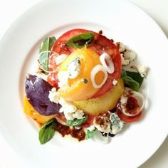 Small Tomatoes, Heirloom Tomatoes, Roquefort Cheese, Summer Side Dishes, Tomato Salad, Summer Salads, Brunch Recipes, Summer Recipes, Soups And Stews