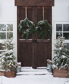 Beautiful architecture and minimal charming Christmas decor