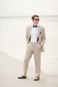 Groom's Attire | Beach Wedding | Photography: Jamie Lee Photography