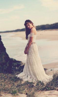Gorgeous indie/boho wedding dress,  Go To www.likegossip.com to get more Gossip News!