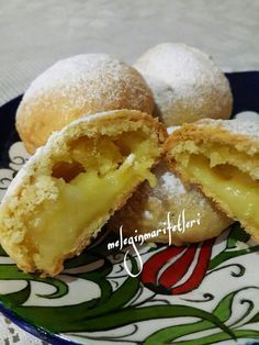 limon kremalı alaçatı kurabiyesi - galletas - Las recetas más prácticas y fáciles Cookie Recipes, Dessert Recipes, Delicious Desserts, Yummy Food, Tea Time Snacks, Sweet Cookies, Turkish Recipes, Sweet Recipes, Food And Drink