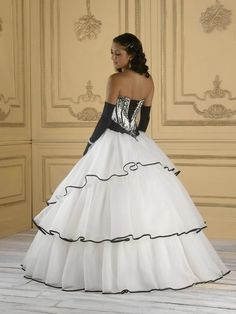 Black and White Wedding Dresses is Our Choice of the Month January