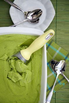 Easy No-Churn Vegan Avocado Ice Cream Recipe - Everyday Southwest Vegan Sweets, Vegan Desserts, Raw Food Recipes, Cooking Recipes, Healthy Recipes, Healthy Treats, Free Recipes, Avocado Ice Cream, Vegan Ice Cream