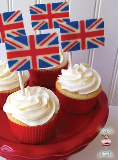 British Flag {Union Jack} Cupcake Toppers - these are edible!