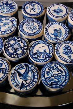 wasbella102:  Delft, Hand Painted cupcakes by artistacakes