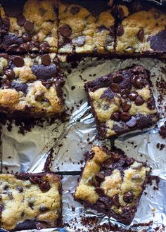 You guys! Let me start off by saying how excited I am to sure these delicious chocolate chip cookie stuffed brownie bars with you today. These bars are so creative yet so simple and are seriously t…