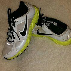 Nike Free xt N??e ??oe? ??ze 8 1/2.  Only worn a ?ew ???e?.  S??ll ?a? a lo? o? l??e le?? ?n ??e?. Nike Shoes Sneakers
