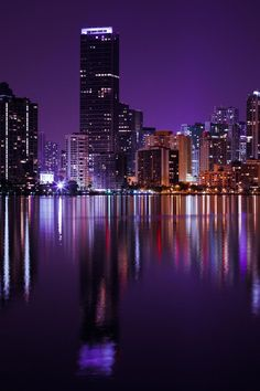 Miami Wallpaper, New York Wallpaper, City Wallpaper, City Lights At Night, Night City, Night Aesthetic, City Aesthetic, Brickell Miami, Miami Skyline