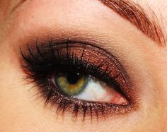 Pretty eye makeup for green/hazel eyes. Love the color for fall!