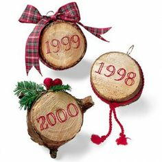 TREE STUMP ORNAMENT, to remember each tree each year, hmmm wood burning set and maybe transfer a picture to one side of the tree......here I go again, unlimited ideas