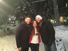 Jensen and Jared with a fan in Aspen tonight.  J2 are vacationing with their families there :)
