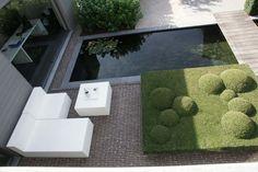 Clay paver modern garden in Belgium