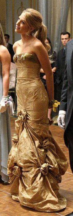 "Serena van der Woodsen wearing Pamela Dennis couture at the Cotilion Ball in the episode ""High Society""....."