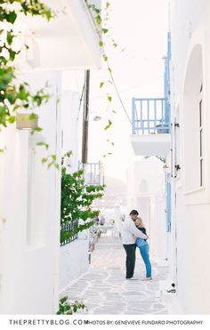 A Sweet Honeymoon Getaway in Paros, Greece | Photography by Genevieve Fundaro Photography