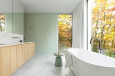 Looking to get design ideas for your bathroom remodel? Big or small, we've got a vast array of bathroom designs you can get inspired from. La Shed Architecture, Index Design, Clawfoot Bathtub, Bathroom Inspiration, Interior And Exterior, Minimalism, Cottage, House, Maxime