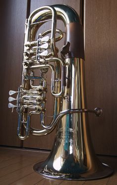 Brass Musical Instruments, Brass Instrument, Tuba Pictures, Sousaphone, Hammond Organ, Violin Music, French Horn, Musical Toys, Bizarre