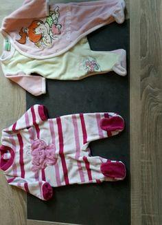 À vendre sur #vintedfrance ! http://www.vinted.fr/mode-enfants/grenouilleres/47575584-lot-de-2-pyjamas-taille-3mois