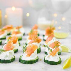 Łosoś na ogórku z kremem chrzanowo - cytrynowym Appetizer Recipes, Snack Recipes, Appetizers, Healthy Recipes, Snacks, Canapes, Fish Dishes, Catering, Sushi