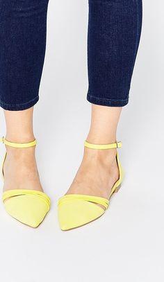 a05f6e2227f E ora shopping  30 scarpe sotto i 100 euroBallerine con lacci lace-up.