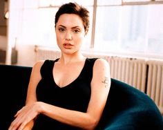 Angelina Jolie short hair after Gia.