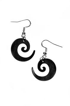 Joanna earrings made of recycled rubber from bicycle inner tube