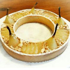 For all the followers enjoying Autumn! Saffron and vanilla poached pear frangipane and cinnamon streusel tart