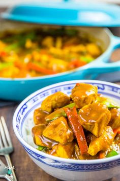 Chicken Satay Curry - Pinch Of Nom Slimming Recipes Pb2 Recipes, Actifry Recipes, Curry Recipes, Cooking Recipes, Healthy Recipes, Chicken Satay Curry, Pork Satay, Easy Slimming World Recipes, Lorraine Recipes