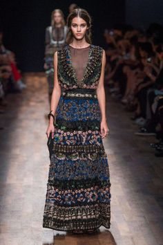 Valentino Spring 2015 Ready-to-Wear Collection