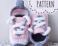 Etsy :: El lugar para comprar y vender todo lo que está hecho a mano Baby Patterns, Crochet Patterns, Unique Baby Gifts, Handmade Gifts, Baby Shower, Baby Sneakers, Crochet Baby Booties, Crochet Projects, New Baby Products