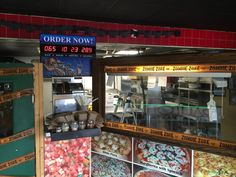 Pauloluigi in Coral Gables Florida has a countdown to Christmas to Order your pizzas now!